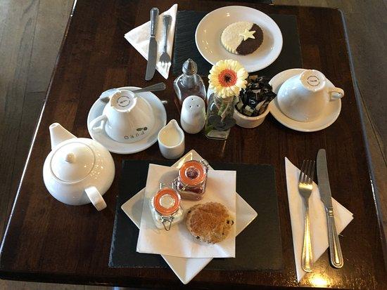 Mary Tavy, UK: Cream Tea & Cake
