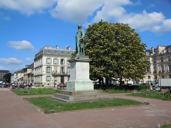 Monument au General Hoche