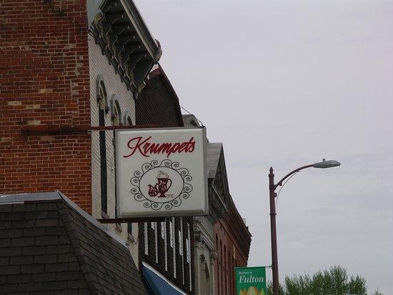 Fulton, IL: Outside sign