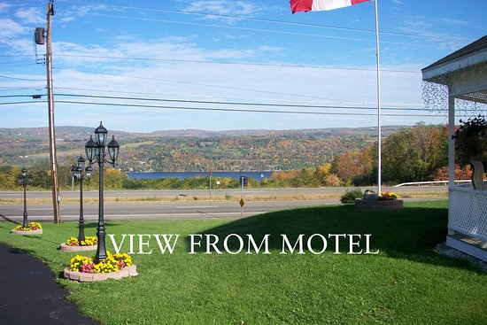 Longhouse Lodge Motel: View From Motel
