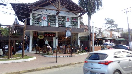 Itatiaia, RJ: Frente do Shopping!