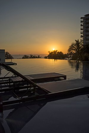Infinity Pool During Sunset Picture Of Alohilani Resort