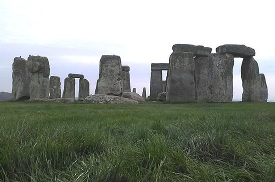 Stonehenge and Bath Tour from London...