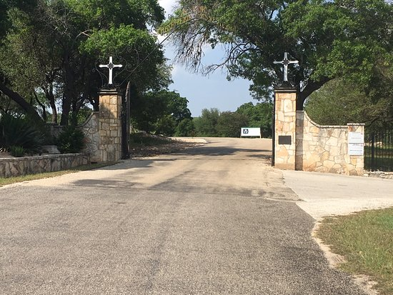 Hunt, TX: Mo Ranch Entry Gates