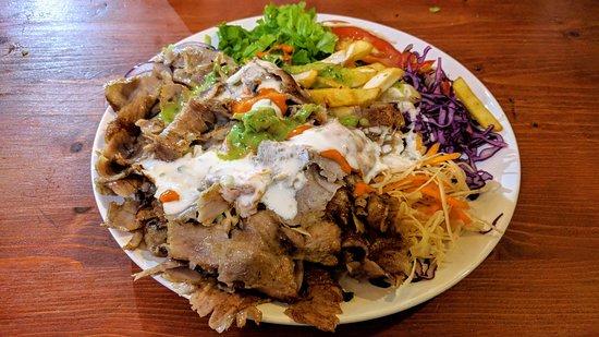 Kebab completo al piatto