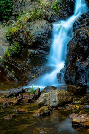 Kolapathana Falls