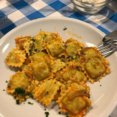 Ristorante Mangiabuono In Genova Con Cucina Cucina Ligure