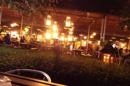 Paskal Food Market: area makan