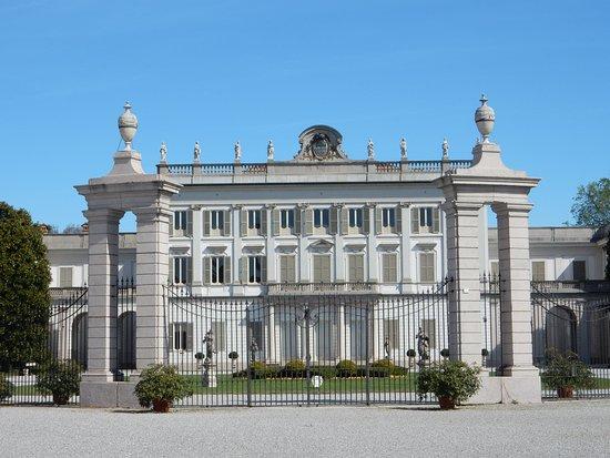 Cassano d'Adda, Italie : La facciata monumentale