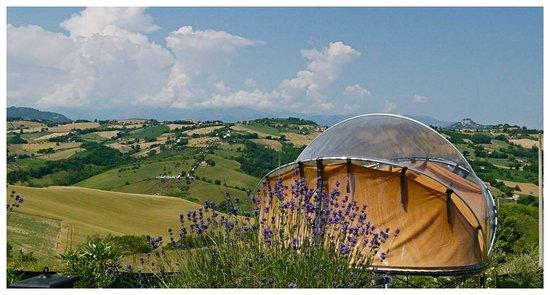 Monteleone di Fermo, Italy: tenda trasparente in posizione panoramica