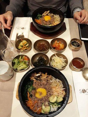 Soon Restaurant: Dolsotbimbimbap au boeuf et assortiments de légumes