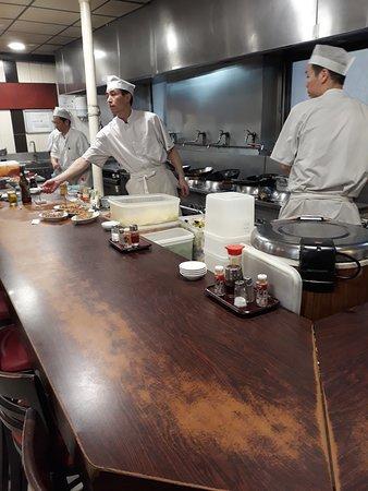 Higuma: Comptoir cuisine
