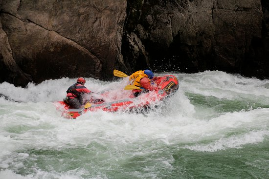 Ultimate Descents New Zealand - Day Tours: Riding one of the rapids
