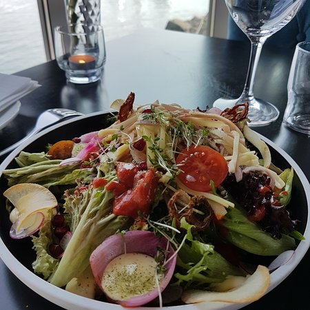 Brekstad, Norway: Salat med ost og skinke
