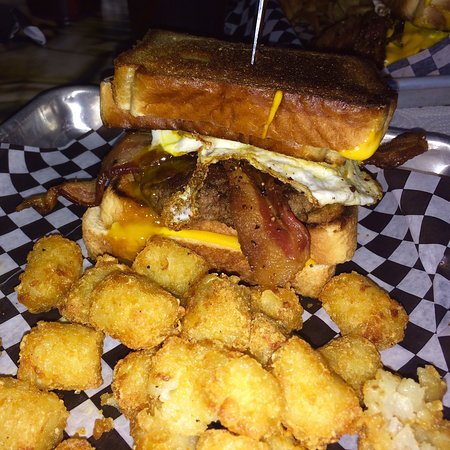 East Grand Forks, MN: Twin Cam Burger @ Sickies...WOW!! Really! Wow!!