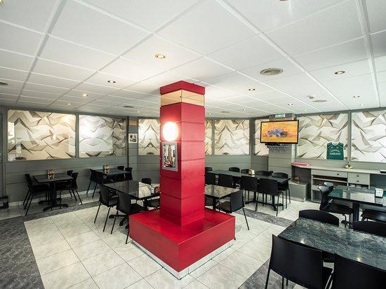 Burlada, Spanien: Cafetería del hotel