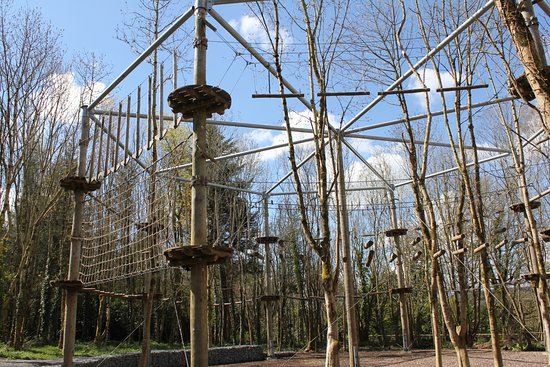 Castlecomer, Irlandia: For the more adventurous this links up to a zipline across the treetops and dam.