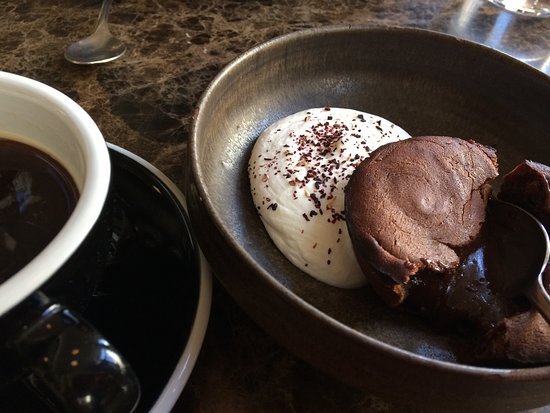 Carbon: Chocolat fondant with hibiscus whipped cream
