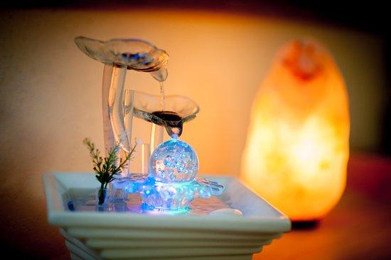 Perugia, Italia: relax con lampade di sale e fontana zen
