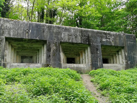 Eben-Emael, Belgium: Strutture fortificate situate all'esterno
