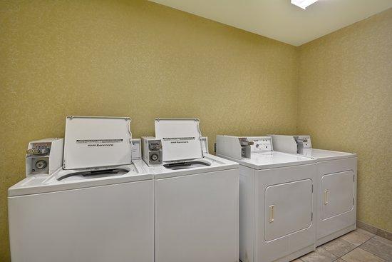 Hampton Inn & Suites Savannah Historic District: Guest Laundry