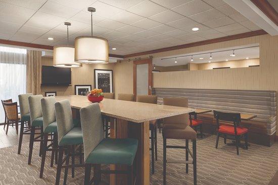 Interior - Picture of Hampton Inn Denver West Federal Center, Lakewood - Tripadvisor