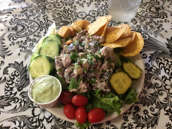 Sheridan, MT: Delicious chicken salad!