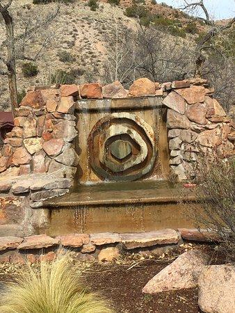 أوجو كالينته, نيو مكسيكو: Ojo Caliente logo at entrance
