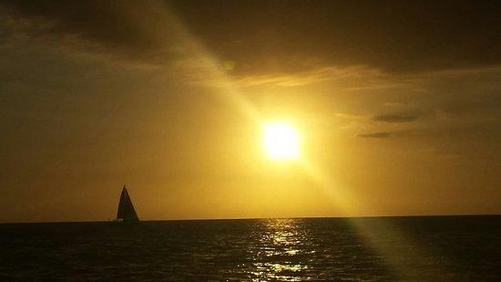 Le Port, Ilhas Reunião: 20180427_173911_large.jpg