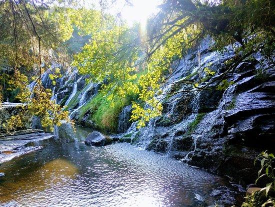 Bom Jesus, RS: Cachoeira na propriedade da Pousada truta Rodrivares