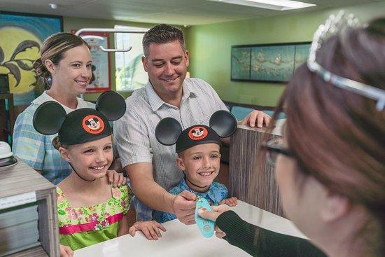سوبر 8 أنهايم نير - دزني لاند: Near Disneyland!!