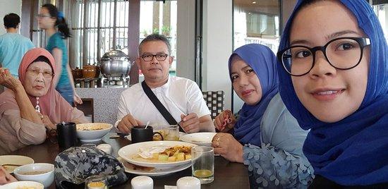 Bila-Bila Restaurant: 20171204_101809_large.jpg