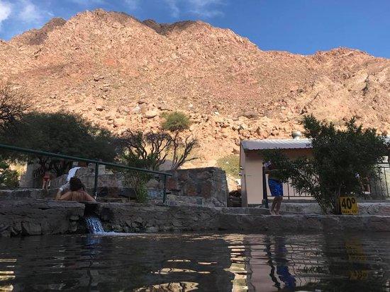 Termas de Fiambala: Vista desde la piscina de 40 grados.