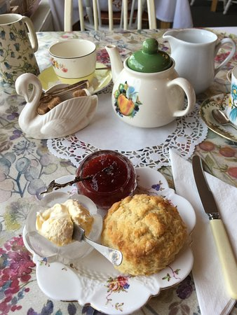 Miss Mollett's High Class Tea Room: Cream tea