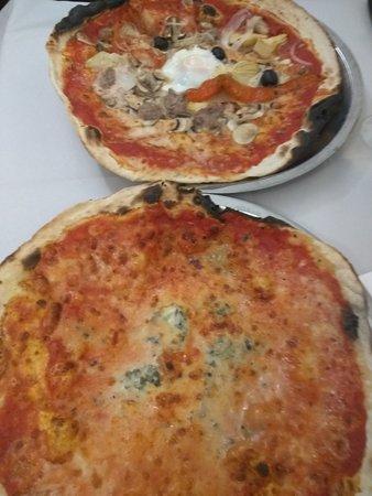 La Montecarlo: Pizza 4 quesos y montecarlo
