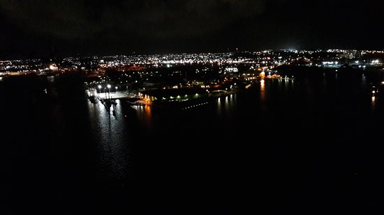 Fort Nassau: The refinery by night
