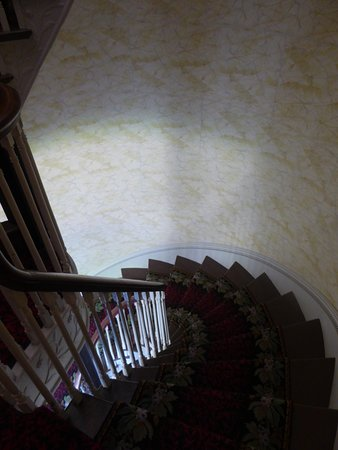 White House of the Confederacy: Stairs