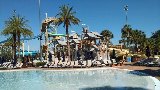 Gaylord Palms Resort & Convention Center: One of the pools for adults and children
