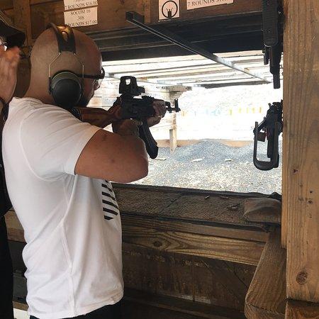 Sunset Hill Shooting Range照片