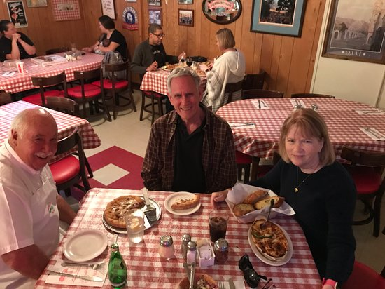 Ojai, CA: A delicious lasagna and pizza dinner at Boccali's. Be sure to get the garlic bread. Thank you De