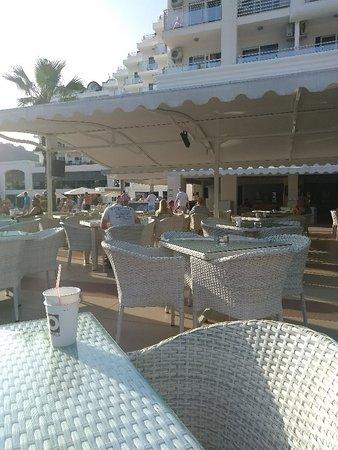 Pool bar seating