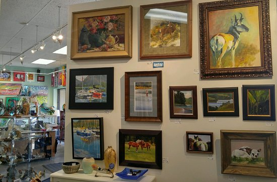 Blue Moose Art Gallery & Gifts