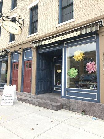 Simply Crepes Cafe - Canandaigua: l'exterieur du restaurant