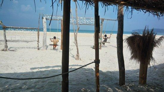 Grandfather Beach: P_20180426_090527_HDR_large.jpg