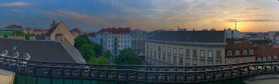 Hotel Erzherzog Rainer: Panorama view from the room 505 balcony