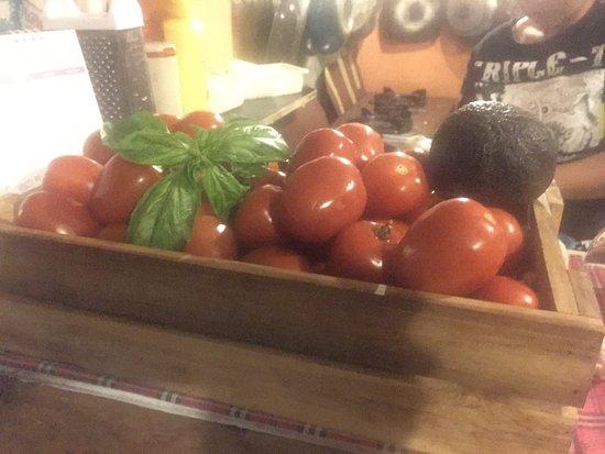 Secret Learning Restaurant: Basic for Italian cousins ..tomato and basil