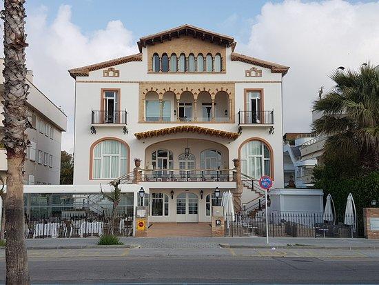 Entrada principal a casa vilella photo de hotel casa - Hotel casa vilella ...