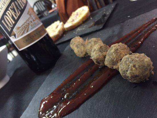 Chilches, สเปน: Buñuelos de morcilla