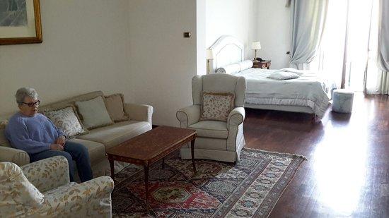 Europa Palace Grand Hotel: 20180422_141535_large.jpg
