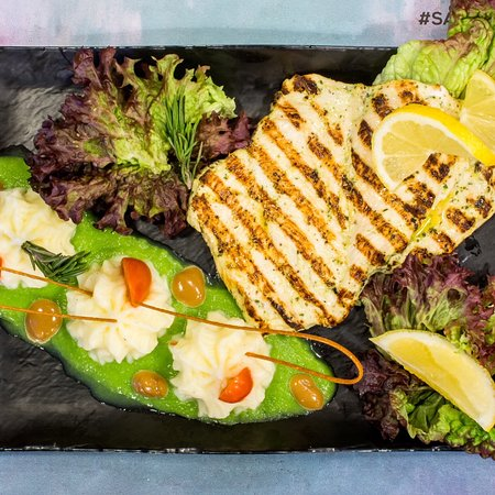 Bouskoura, Marocko: Our grilled chicken breast